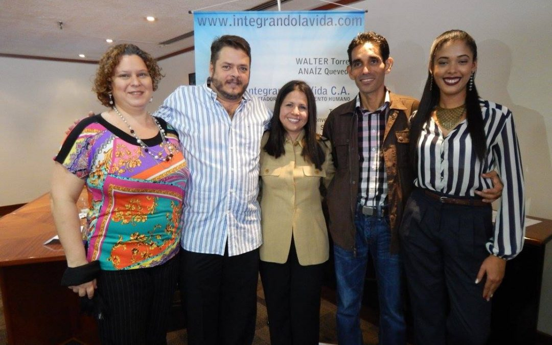 Integrando La Vida entregó mención Bienestar en programa  Universitario a dos estudiantes de la Universidad Gran Mariscal de  Ayacucho